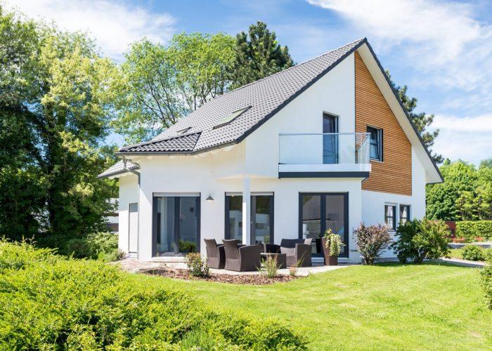 Einfamilienhaus, Wohnhaus mit Garten